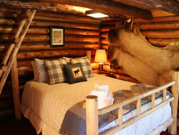 The Honeymoon Cabin, Bear Creek Guest Ranch