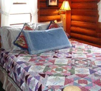 The Wagon Wheel Cabin, Bear Creek Guest Ranch